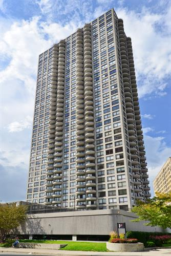 2020 N Lincoln Park West Avenue, Chicago, IL 60614