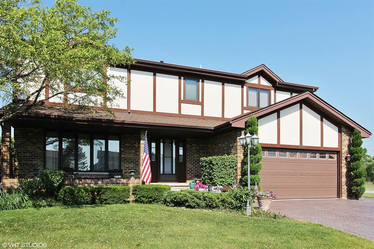 1431 W Autumn Trail, Addison, IL 60101