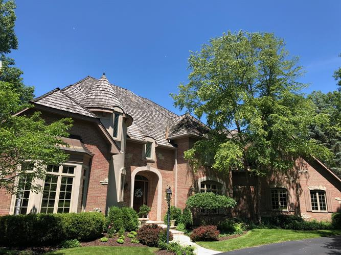 330 Belle Foret Drive, Lake Bluff, IL 60044 - Image 1