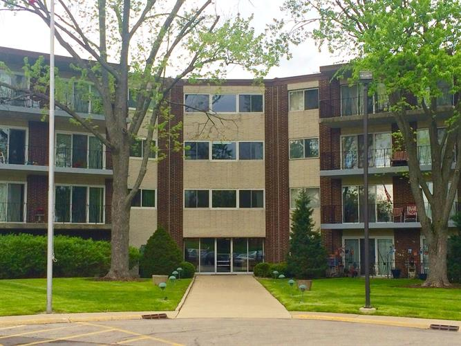 5540 Walnut Avenue, Downers Grove, IL 60515