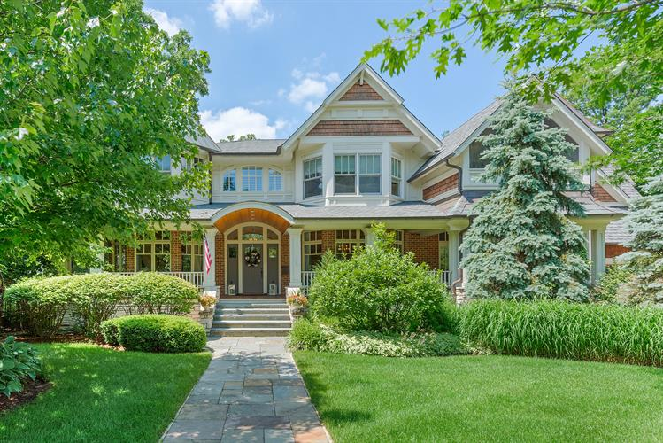 682 HILLSIDE Avenue, Glen Ellyn, IL 60137