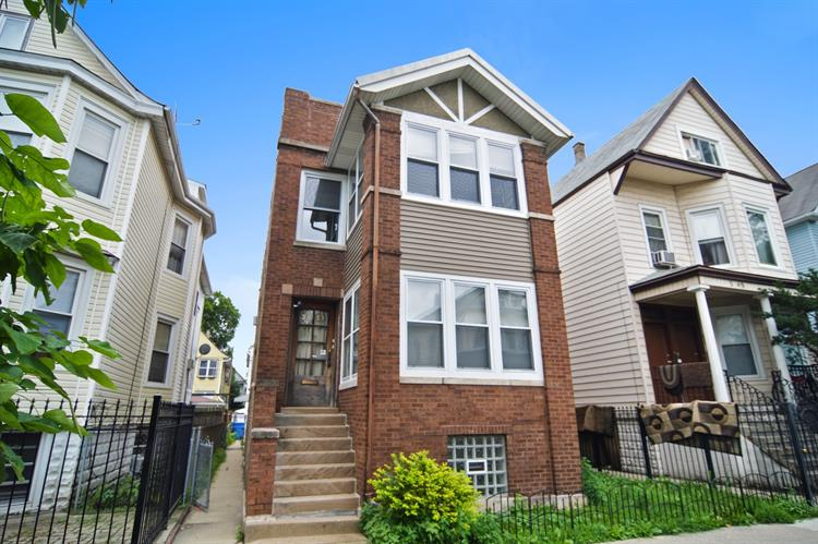 3051 N AVERS Avenue, Chicago, IL 60618