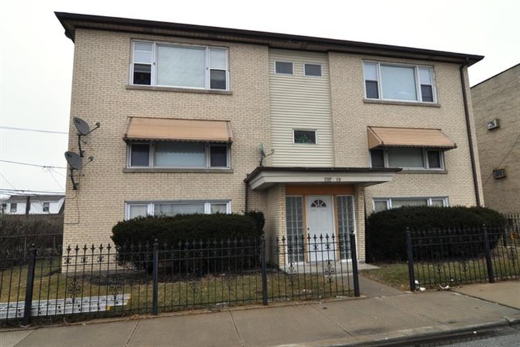 7317 S Kedzie Avenue, Chicago, IL 60629