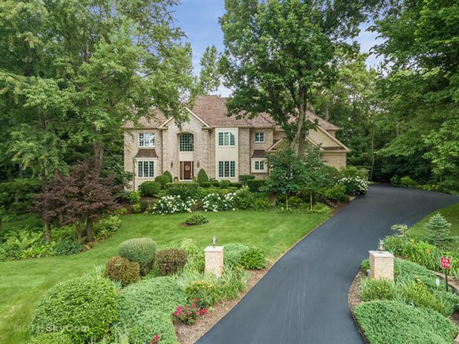 4N558 Hidden Oaks Road, St Charles, IL 60175