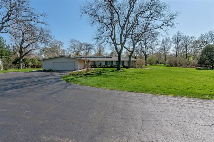 1820 South Lane, Northbrook, IL 60062 - Image 1