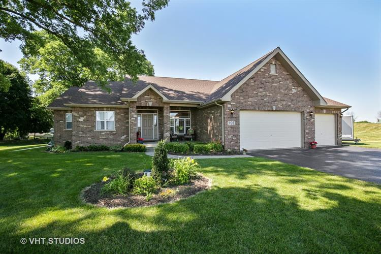 905 Tall Grass Court, Somonauk, IL 60552