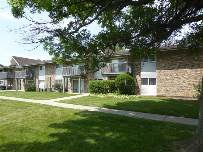 10S745 Clarendon Hills Road, Willowbrook, IL 60527 - Image 1