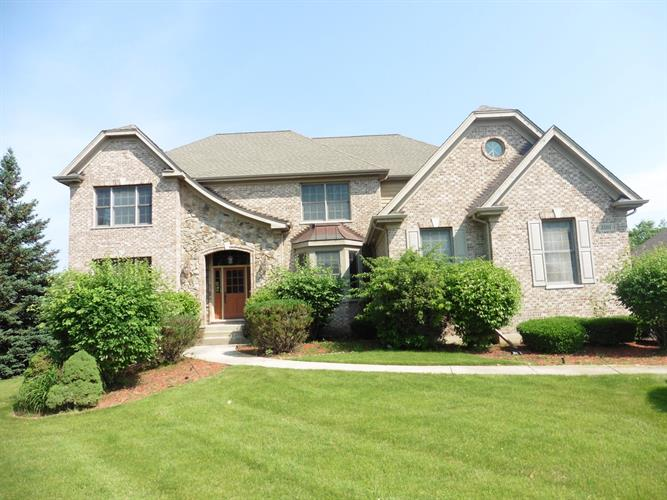 3501 Sandstone Court, Lake in the Hills, IL 60156