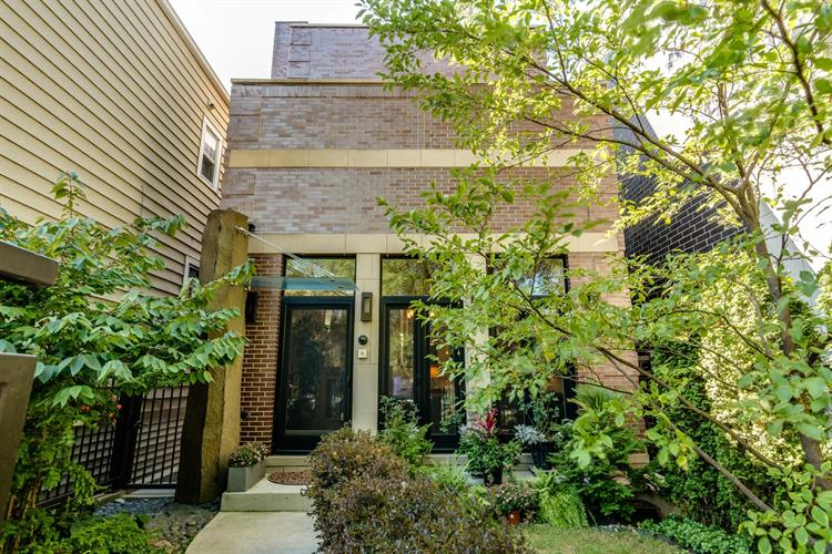 2654 N Marshfield Avenue, Chicago, IL 60614