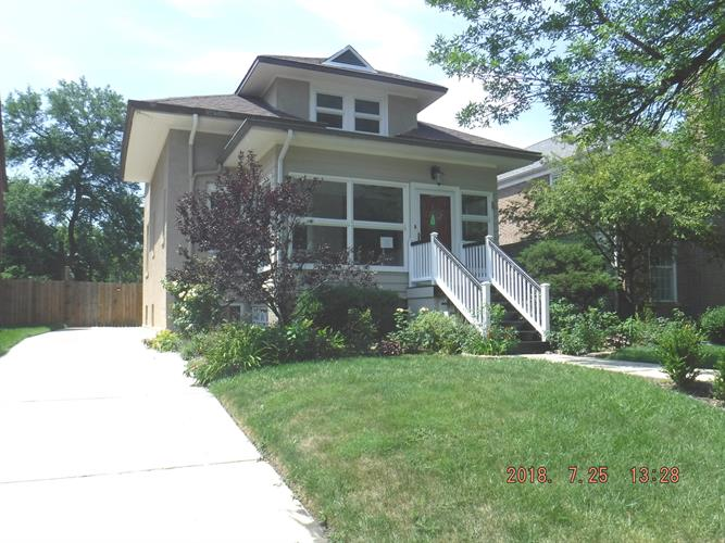9406 S Pleasant Avenue, Chicago, IL 60643