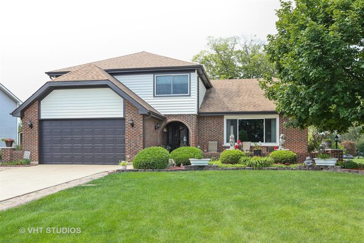 8516 Creekside Lane, Darien, IL 60561
