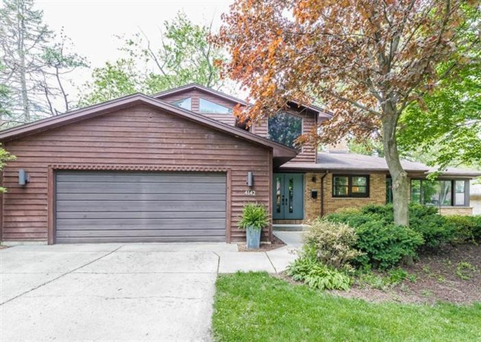 4142 Washington Street, Downers Grove, IL 60515