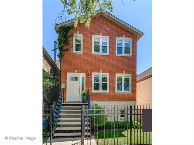 2111 N Oakley Avenue, Chicago, IL 60647