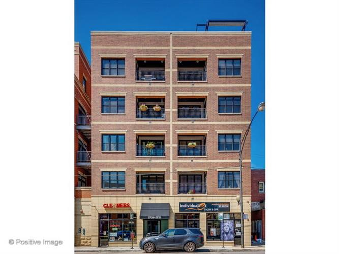 2708 N HALSTED Street, Chicago, IL 60614
