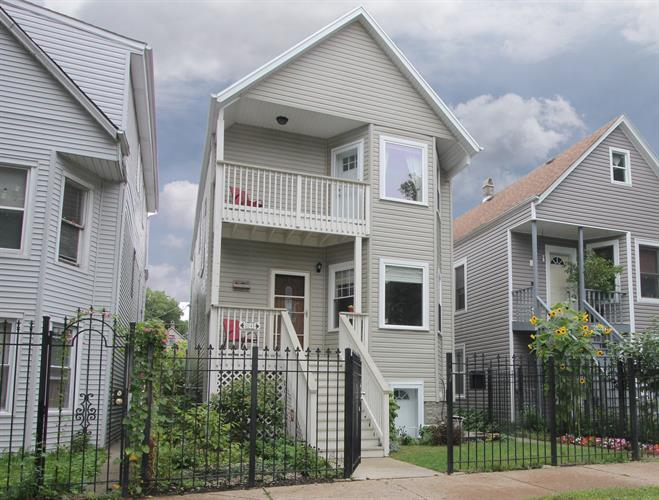 2941 N AVERS Avenue, Chicago, IL 60618