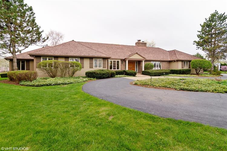 660 Thompsons Circle, Inverness, IL 60067 - Image 1