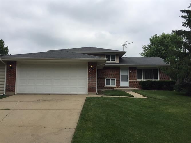 1816 TRAIL RIDGE Street, Arlington Heights, IL 60004