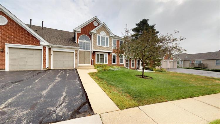 211 UNIVERSITY Lane, Elk Grove Village, IL 60007 - Image 1