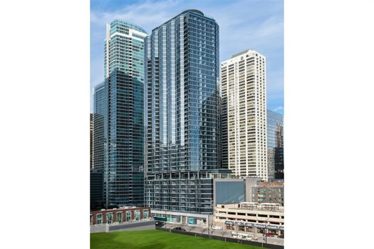 545 N McClurg Court, Chicago, IL 60611