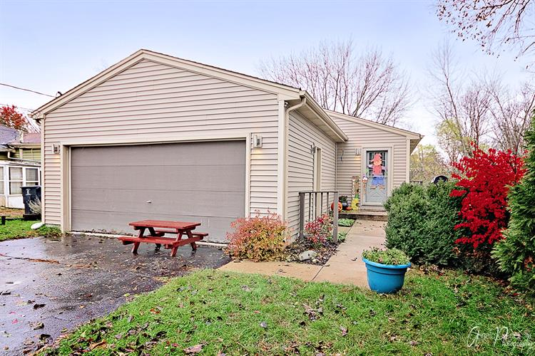 203 S HIGHLAND Drive, Lakemoor, IL 60051 - Image 1