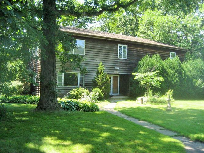 10150 Meadow Lane, Des Plaines, IL 60016 - Image 1