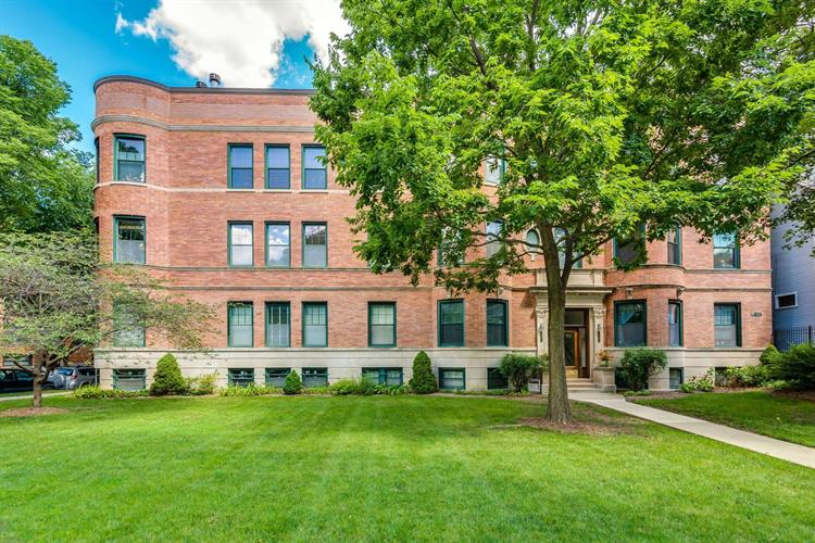 4651 N Dover Street, Chicago, IL 60640