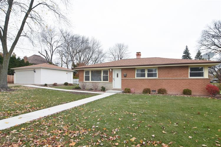 1144 S Haddow Avenue, Arlington Heights, IL 60005
