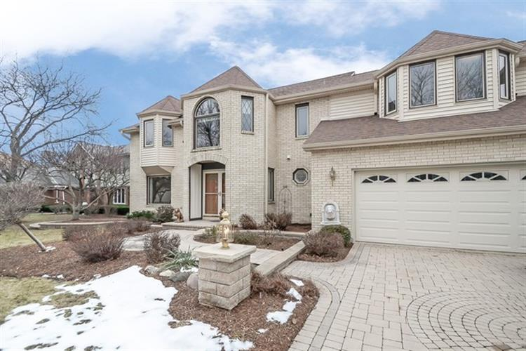 810 W KINGSLEY Drive, Arlington Heights, IL 60004 - Image 1
