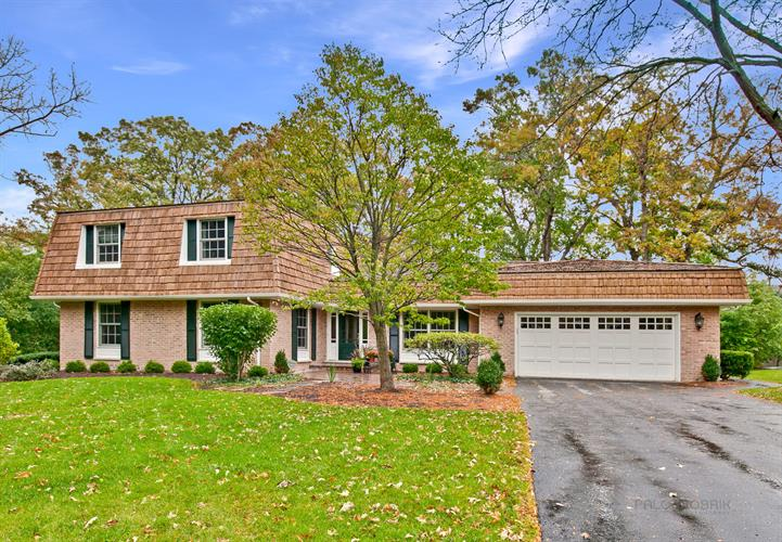 1325 Woodhill Lane, Lake Forest, IL 60045 - Image 1