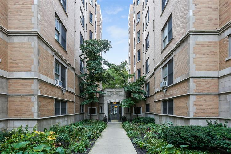609 W Stratford Place, Chicago, IL 60657 - Image 1