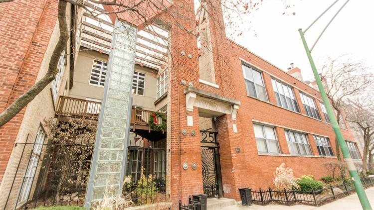 525 N Ada Street, Chicago, IL 60642 - Image 1
