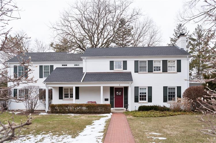 5 WOODLEY MANOR Winnetka IL 60093 Weichert.com - Sold or expired (82109633)