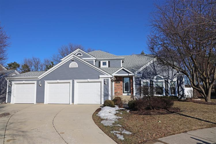 581 OXFORD Circle, Elk Grove Village, IL 60007 - Image 1