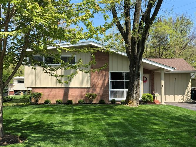 300 Forestway Drive, Northbrook, IL 60062 - Image 1