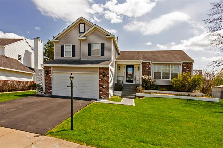 3 Blackberry Court, Streamwood, IL 60107 - Image 1