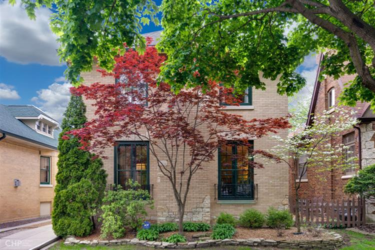 9526 S Bell Avenue, Chicago, IL 60643 - Image 1