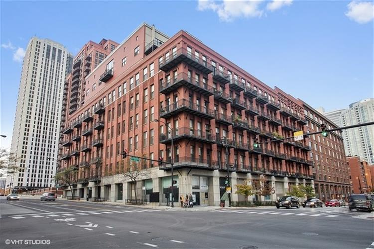 616 West FULTON Street, Chicago, IL 60661 - Image 1