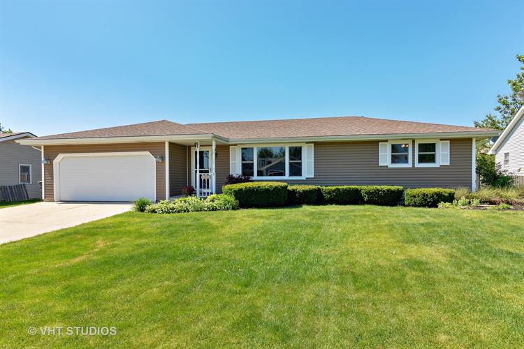 704 Plank Road, New Lenox, IL 60451 - Image 1