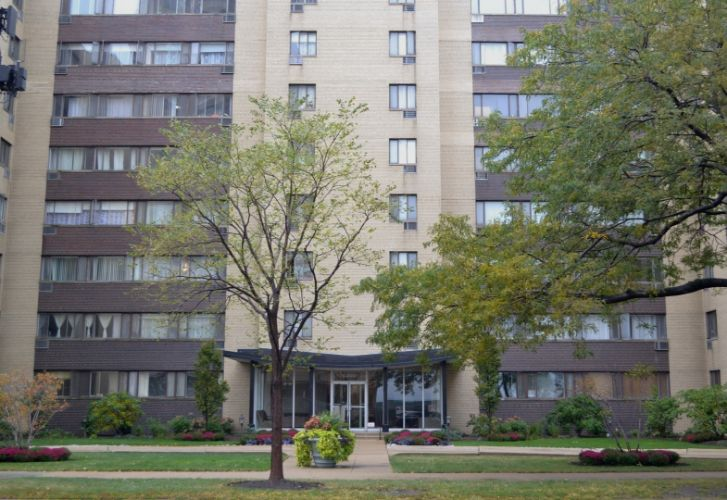 6300 N Sheridan Road, Chicago, IL 60660 - Image 1