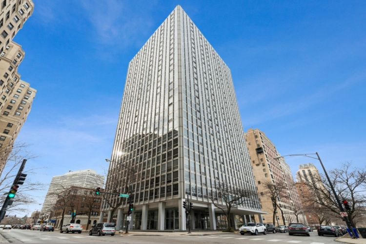 2400 N Lakeview Avenue, Chicago, IL 60614 - Image 1