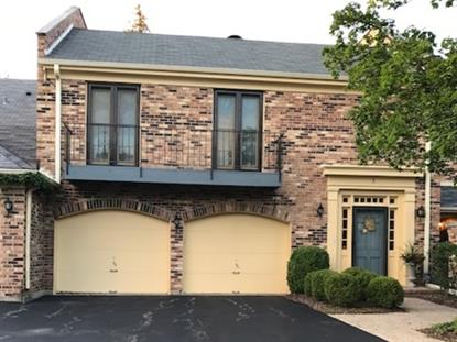 5 COURT OF OVERLOOK BLUFF Court Northbrook, IL MLS# 09701598