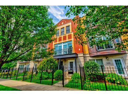 2452 W Fletcher Street, Chicago, IL