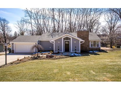 327 ROSLYN Road, Barrington, IL
