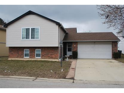 10 WOODBURY Court, Streamwood, IL