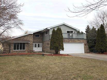 29W216 Canterbury Drive, West Chicago, IL