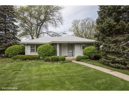 2 Roslyn Road, Westmont, IL