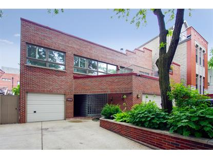 750 W Willow Street, Chicago, IL