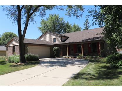 3218 N WALKER Lane, Arlington Heights, IL