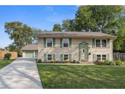 819 WILDWOOD Court Streamwood, IL MLS# 10870907