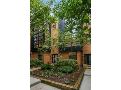 2008 W Willow Street Chicago, IL MLS# 10916823